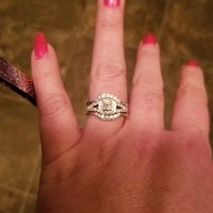 Engagement ring with two wedding bands